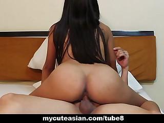 Asian cute slut sucking and fucking in a motel