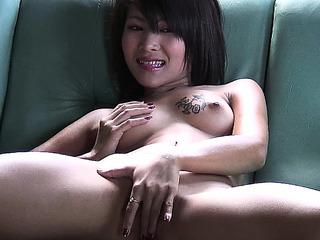 Hawt Oriental cutie..
