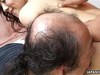 Asian slut getting slammed..